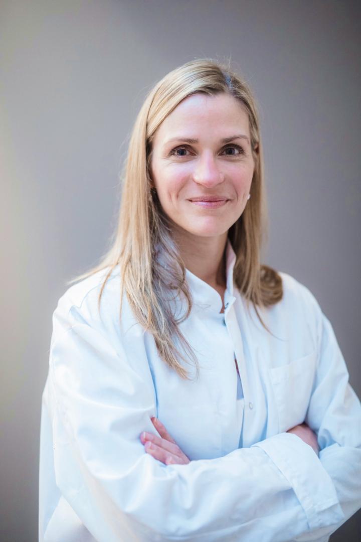 Dr. Karine Montagne